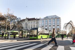 W ciągu 15 miesięcy Volvo sprzedało 817 autobusów hybrydowych