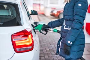 Niższe marże przyniosły spadek cen paliw