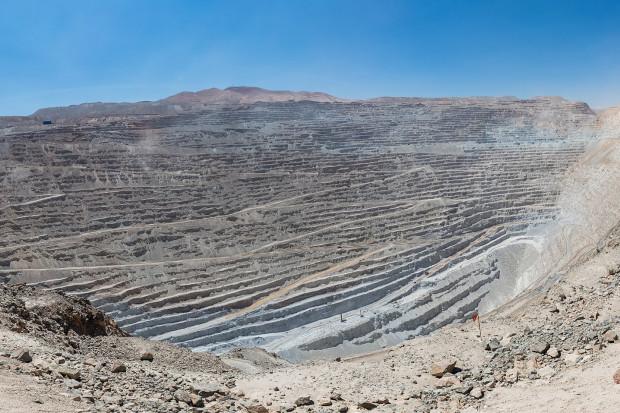 Ulewy wstrzymały produkcję wielkiej kopalni miedzi