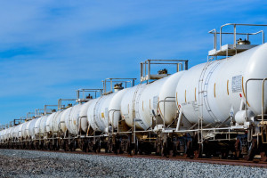 Onico z nowymi umowami na sprzedaż oleju napędowego