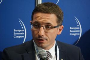 Prezydent Rybnika o smogu: potrzebny nakaz podłączania się do sieci ciepłowniczej lub gazowej