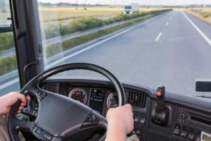 Początek roku to problem w branży transportowej. Jak liczyć czas pracy kierowców?