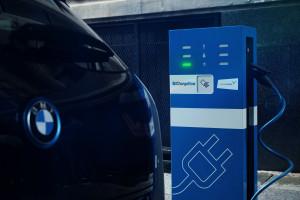 BMW: nie produkujmy baterii do samochodów elektrycznych na siłę