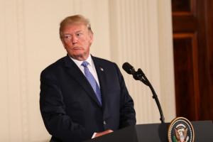 Trump łagodzi retorykę wobec Huawei