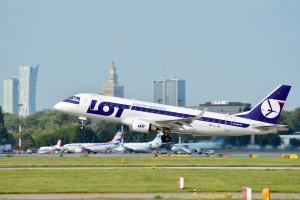 Wzrosną uciążliwości dla pasażerów największego portu lotniczego w Polsce. Mieszkańcy miasta też się nie ucieszą