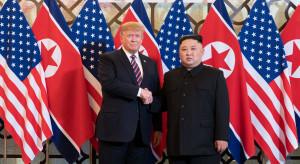 "Korea Północna rakietami ""ostrzega"" USA i Koreę Południową"