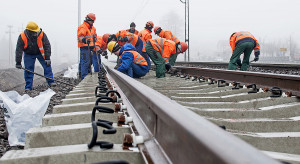 Z kolejowych placów budowy dochodzą niepokojące sygnały