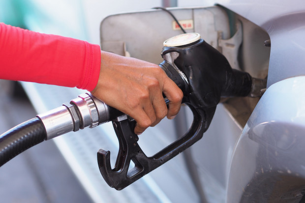Dlaczego diesel w Polsce jest droższy od benzyny?
