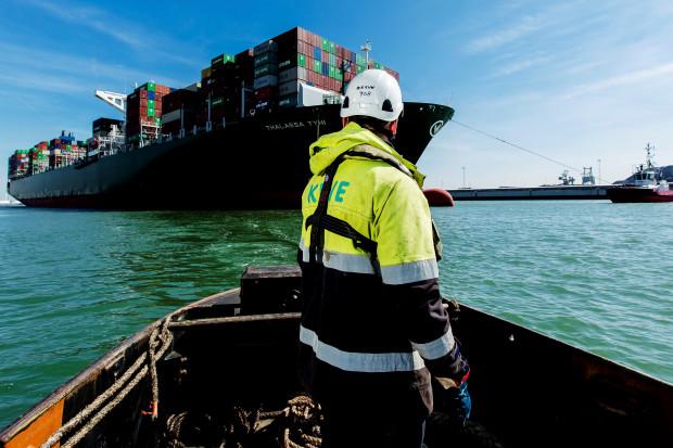 Polska bije rekordy przeładunków kontenerów w portach morskich, ale świat nam ucieka
