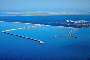 """Kto rozbuduje terminal LNG w Świnoujściu? Mamy """"krótką listę"""""""
