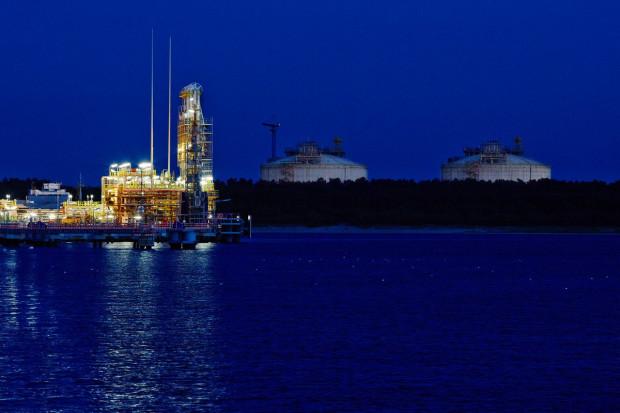 Tanie LNG płynie do Europy, bo w Azji spadły ceny