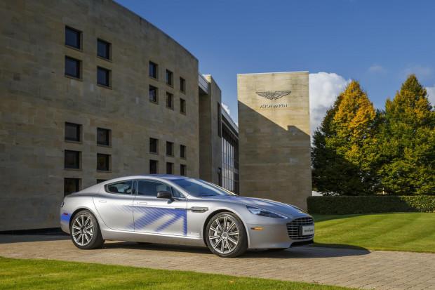 Bond w Aston Martinie na baterie? Tak będzie wyglądała fabryka tych aut