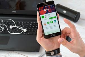Apple odpowiada na zarzuty konkurencyjnej firmy Spotify