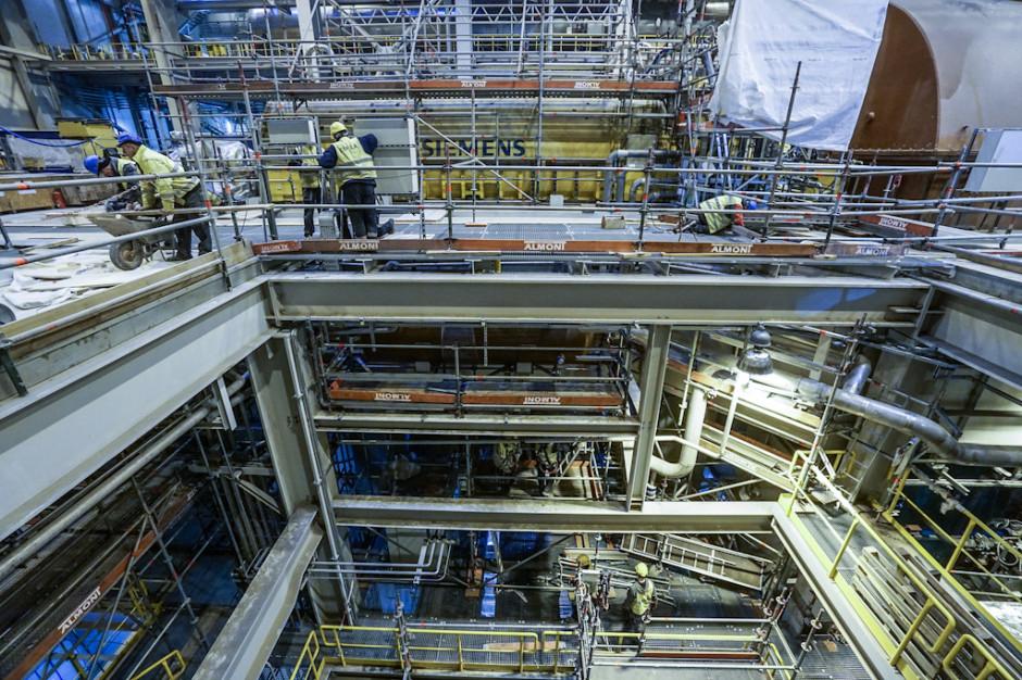 Tauron Wytwarzanie kontrakt na budowę nowego bloku w Jaworznie podpisał 17 kwietnia 2014 r. z konsorcjum Rafako i Mostostalu Warszawa. Blok 910 MW w Jaworznie rocznie wytworzy około 6,5 TWh energii elektrycznej, co odpowiada zapotrzebowaniu 2,5 mln gospodarstw domowych.
