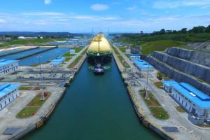 42 cali daje różnicę w warunkach żeglugi Kanałem Panamskim