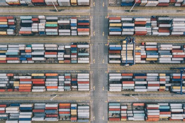 Polska bije rekordy przeładunków kontenerów w portach morskich, ale świat ucieka