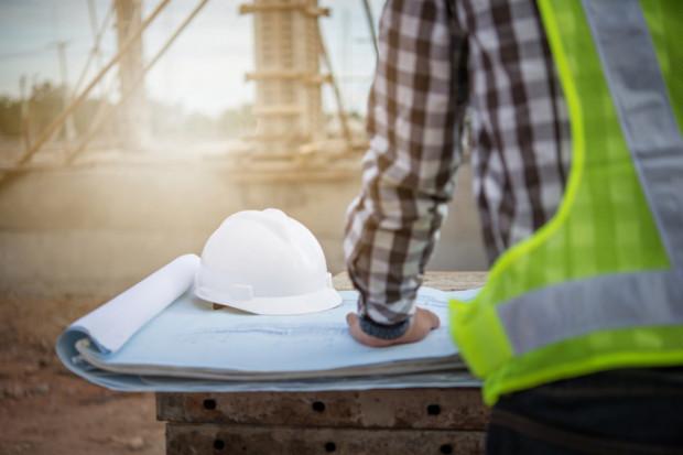 W budowlance ten problem jest naprawdę dotkliwy. Narzeka ponad 60 proc. firm