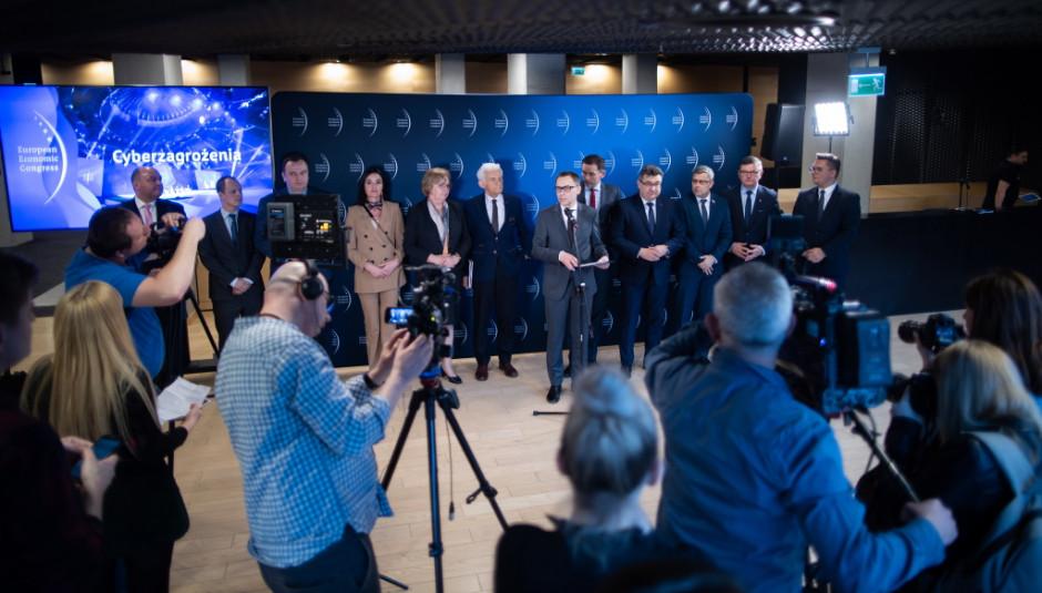 Po posiedzeniu Rady Europejskiego Kongresu Gospodarczego odbył się briefing prasowy.