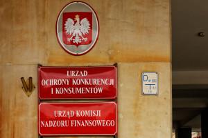 UOKiK ostrzega przed firmami polskiego biznesmena, który pojawił się w Formule 1