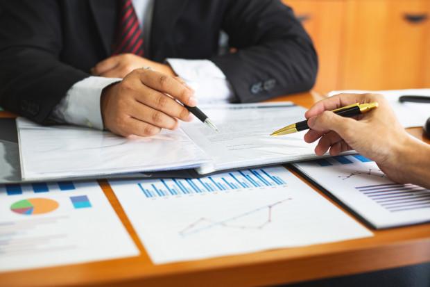 Będzie obowiązkowy split payment dla branż podatnych na nadużycia w VAT
