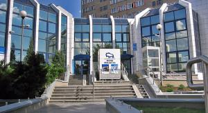 Bankowy gigant zaoszczędzi 100 mln zł
