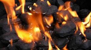 Duże miasto chce zakazać instalowania pieców węglowych w nowych budynkach