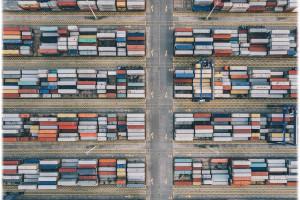 Bruksela jest otwarta na wolny handel, ale nie może być naiwna