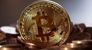 Bitcoin wzrasta o 10 proc.; porównania na plusie pierwszy raz od 2018 r.