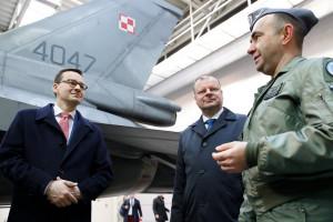Premierzy Polski i Litwy z wizytą u polskich żołnierzy