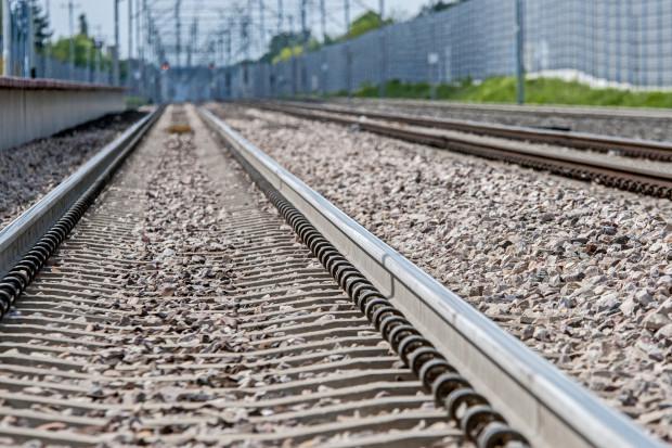 Przetarg na prace budowlane na linii kolejowej E65