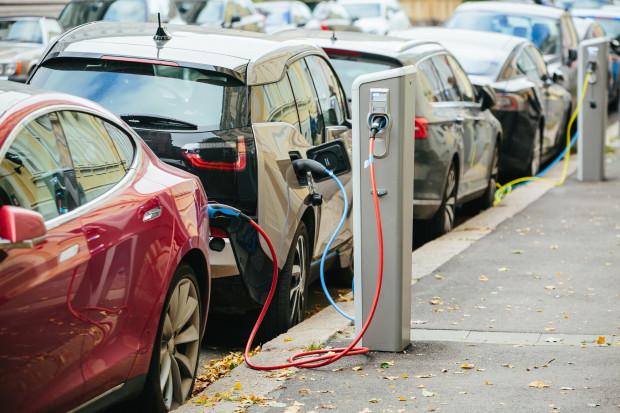 W Polsce mamy 5,9 tys. samochodów elektrycznych
