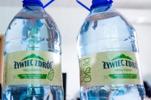 Drugie życie plastikowych butelek z Żywca