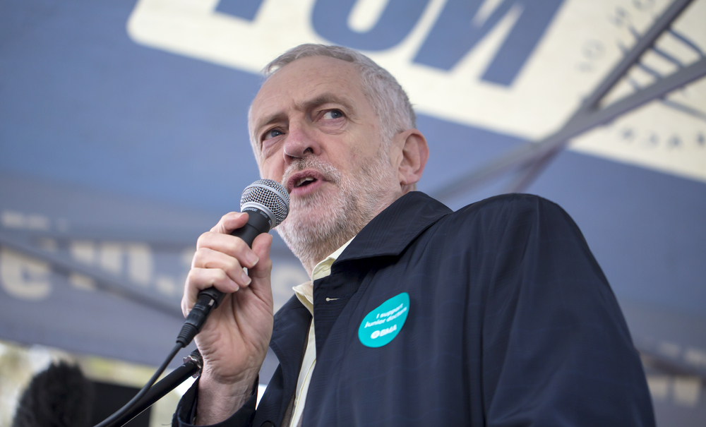 Jeremy Corbyn, lider opozycyjnej Partii Pracy jest jedynym ratunkiem dla porozumienia Theresy May z UE, fot. shutterstock