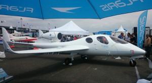 Polski odrzutowiec Flaris Lar 1 ma za sobą pierwsze loty