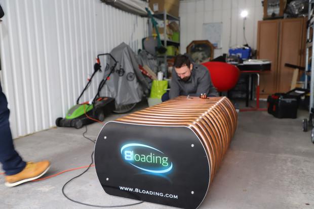 Pracownicy JSW skonstruowali w garażu ławkę smogową