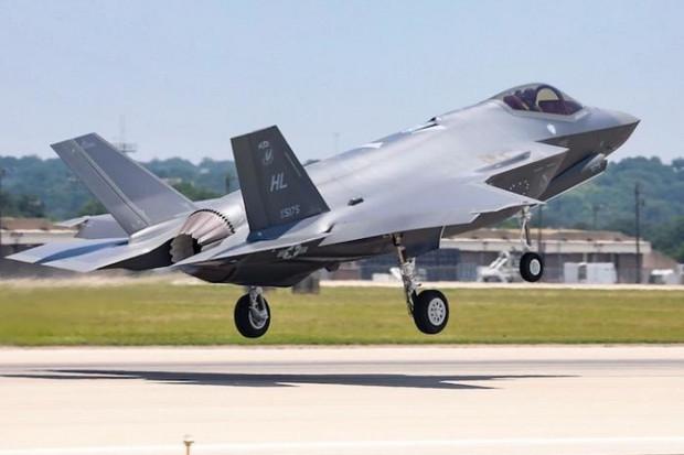 Na Litwie po raz pierwszy wylądowały amerykańskie myśliwce F-35