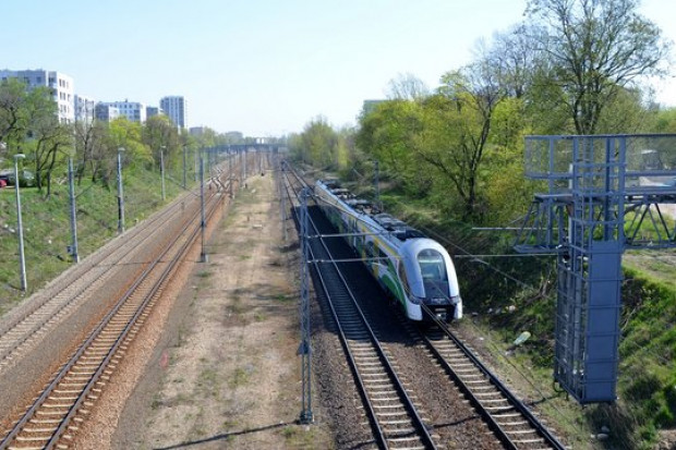 PKP PLK budują przystanek kolejowy Warszawa Powązki