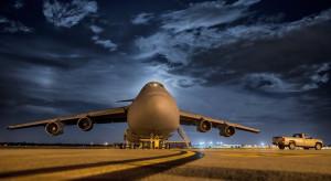 Przemysł lotniczy i wojskowy na fali wznoszącej. Przybędzie 38 tys. samolotów