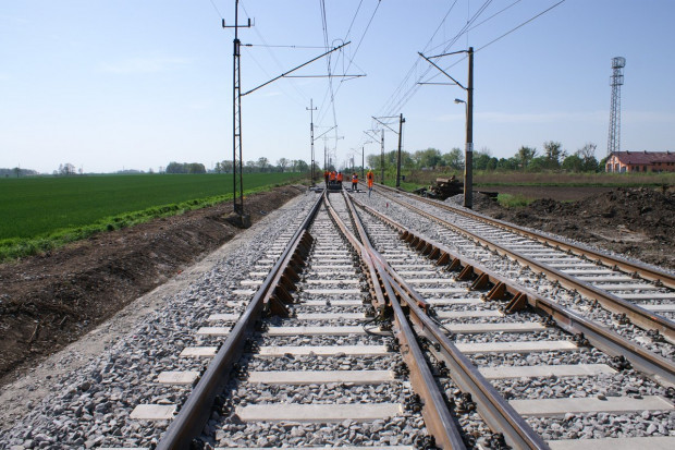 Kradzieże utrudniają prace na strategicznej trasie kolejowej