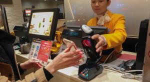 Chińskie płatności elektroniczne wypierają walutę sąsiadów
