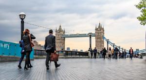Obniżamy skalę zagrożenia Brexitem, alert jednak trwa