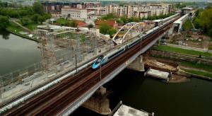 """Trzy nowe mosty kolejowe nad Wisłą. """"Budujemy kolej bezpieczną, komfortową i punktualną"""""""