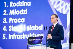 """Jak sfinansować wydatki z """"piątki Kaczyńskiego""""? Minister finansów uspokaja"""