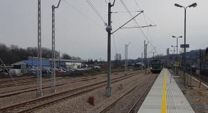 W czerwcu z nowych peronów do Sosnowca i Tunelu