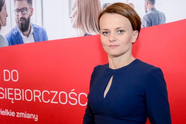 Minister Emilewicz spotka się z przedsiębiorcami w Kielcach, Gdańsku i Krakowie