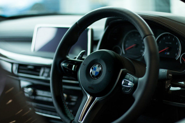 BMW i Daimler wyhamowują inwestycje na Węgrzech