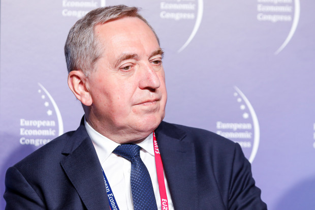 """Minister środowiska: Na """"Czyste Powietrze"""" chcemy pozyskać z UE 30 mld zł"""