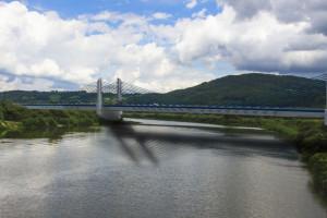 Budowniczy 600-metrowego mostu przez górską rzekę ponownie wybrany