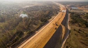 Dokończenie autostrady po Włochach nie będzie łatwe. Zagrożonych kolejne 150 km dróg