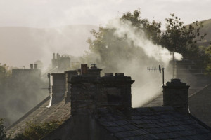 Rząd za przyspieszeniem walki ze smogiem. Będą nowe obowiązki